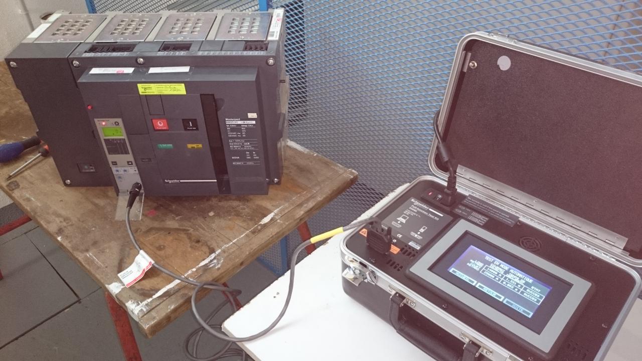 Maintenance NIV III   test de déclenchement sur masterpact